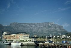 Capetown. Skyline of Capetown with the table mountain in the background Royalty Free Stock Images