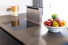 Capilla de cocina de la corriente descendente, acero inoxidable Imágenes de archivo libres de regalías