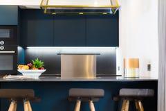 Capilla de cocina moderna del ajuste Foto de archivo