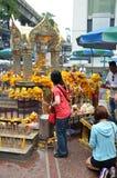 Capilla de Erawan, capilla hindú en Bangkok Foto de archivo