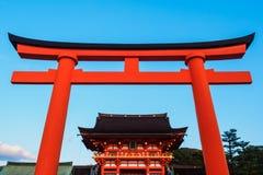 Capilla de Fushimi Inari Taisha en Kyoto, Japón Fotos de archivo
