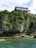 Capilla de Naminoue-guu, pasando por alto la playa imagenes de archivo