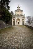Capilla en el monte del sacro de Varese Imagenes de archivo