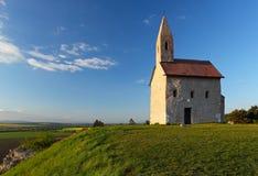 Capilla en la colina Imagen de archivo libre de regalías