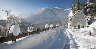 Capilla en la nieve Foto de archivo