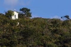 Capilla en las montañas de Minas Gerais State - el Brasil Fotografía de archivo libre de regalías