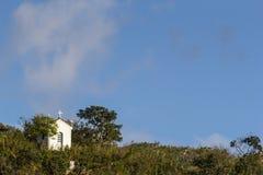 Capilla en las montañas de Minas Gerais State - el Brasil Fotos de archivo libres de regalías