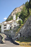 Capilla en montañas Imágenes de archivo libres de regalías