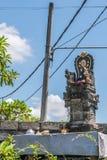 Capilla hind? en el negocio de Sari Pertiwi Wood Carving, Juga, Bali, Indonesia foto de archivo