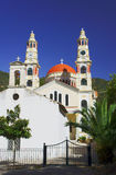 Capilla ortodoxa y una iglesia Imagenes de archivo