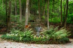 Capilla para Maria en el bosque de Baviera fotos de archivo