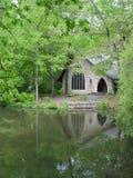 Capilla y lago Imagen de archivo libre de regalías