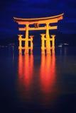 Capilla y reflexión de Itsukushima Fotografía de archivo libre de regalías