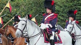Capitán belga del guardia de caballo, caballería en desfile, Royal Palace metrajes