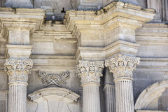 Capita barroca de la iglesia del detalle del columnl Foto de archivo