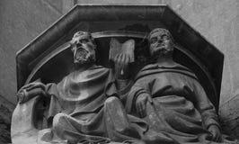 Capital con las figuras por la parte 8 de la catedral imagen de archivo libre de regalías