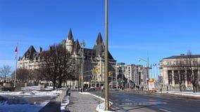 Capital del ` s de Canadá de Ottawa en un día soleado almacen de video