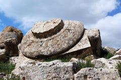 Capital géant d'un temple grec doric, Selinunte Photos stock