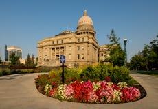 Capitale dello Stato dell'Idaho e del giardino floreale con il si di direzione di handicap immagine stock libera da diritti