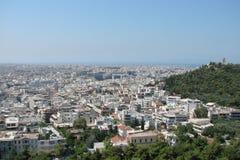 Capitale di Atene La Grecia 06 16 2014 Il paesaggio della città di Atene antica dall'altezza della collina dell'acropoli Fotografia Stock