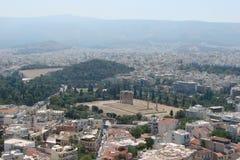 Capitale di Atene La Grecia 06 16 2014 Il paesaggio della città di Atene antica dall'altezza della collina dell'acropoli Immagini Stock Libere da Diritti