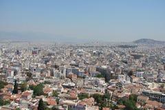 Capitale di Atene La Grecia 06 16 2014 Il paesaggio della città di Atene antica dall'altezza della collina dell'acropoli Immagine Stock Libera da Diritti