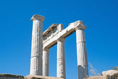 Capitale di colonna ionico, dettaglio architettonico sull'isola di Delos Fotografie Stock Libere da Diritti