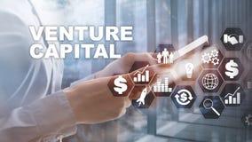 Capitale di rischio sullo schermo virtuale Concetto di affari, di tecnologia, di Internet e della rete sottragga la priorità bass fotografie stock