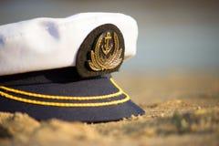 Capitan-Kappe auf dem Strand Lizenzfreie Stockfotos