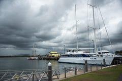 Capitano cuoco Cruises Fiji immagini stock