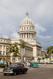 Capitol and cars, Havana Royalty Free Stock Photos