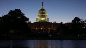 Capitol des Etats-Unis au lever de soleil banque de vidéos