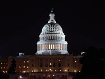 Capitol des USA la nuit Image stock