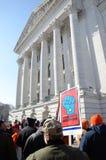 capitol na zewnątrz protestujących Wisconsin obraz stock