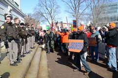 capitol na zewnątrz protestujących Wisconsin fotografia royalty free