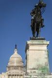 Άγαλμα γενικής επιχορήγησης μπροστά από το αμερικανικό capitol, Washington DC Στοκ Φωτογραφία