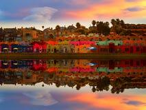 Capitolastrand en bezinning in magische zonsondergang stock foto's