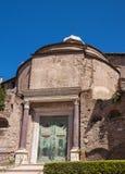 capitoline城市论坛小山意大利找出毛皮围巾的罗马罗马romulus寺庙 库存照片