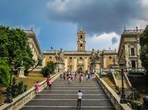 对米开朗基罗- Capitoline小山的楼梯在罗马,意大利 免版税图库摄影