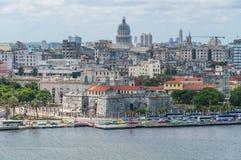 Capitolio和周围的看法在哈瓦那,古巴 库存照片