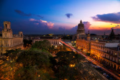 Capitolio de La Habana en la noche Foto de archivo libre de regalías
