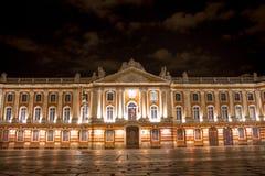 Capitolio de Toulouse, vista nocturna fotos de archivo