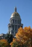 Capitolio del estado de Denver en otoño imágenes de archivo libres de regalías