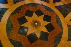 Capitolio Nacional, EL Capitolio Modello geometrico rotondo sul pavimento L'interiore della costruzione avana cuba Immagine Stock
