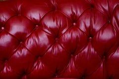 Capitonnage rouge de cuir véritable Photographie stock libre de droits