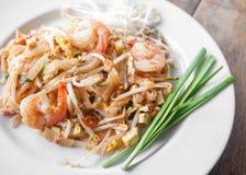 Protection thaïlandaise, nouilles de riz faites sauter à feu vif Image libre de droits