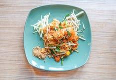 Capitonnez thaïlandais avec la crevette rose fraîche, protection Kung Sod thaïlandais, nouilles thaïlandaises de style photos stock