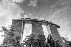 Capitulação preto e branco de Marina Bay Sands Hotel Resort Foto de Stock Royalty Free