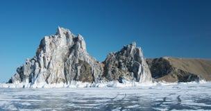 Capo Burhan sulla costa ovest dell'isola di Olkhon Fotografie Stock Libere da Diritti