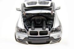 Capo de BMW X5 SUV abierto foto de archivo